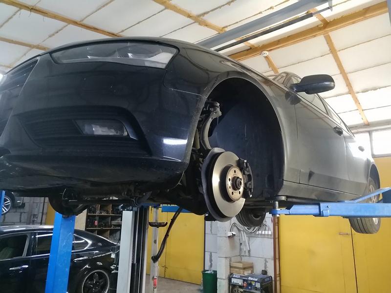 Снятие рулевой рейки AUDI A4 (B8) 2015